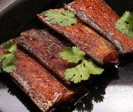 骨酥刀鱼的做法