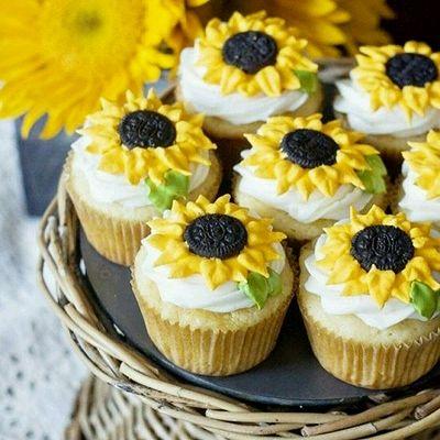 向日葵纸杯蛋糕