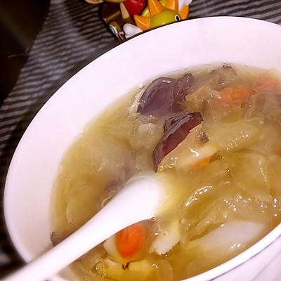 银耳红枣百合汤