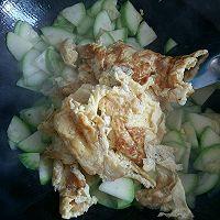 西葫芦炒鸡蛋~超级简单的做法图解8