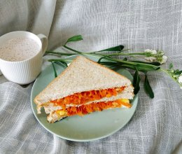 #10分钟早餐大挑战#鸡蛋灌吐司的做法