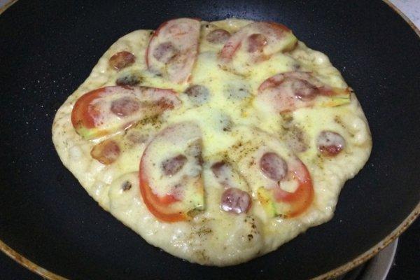 平底锅披萨的做法
