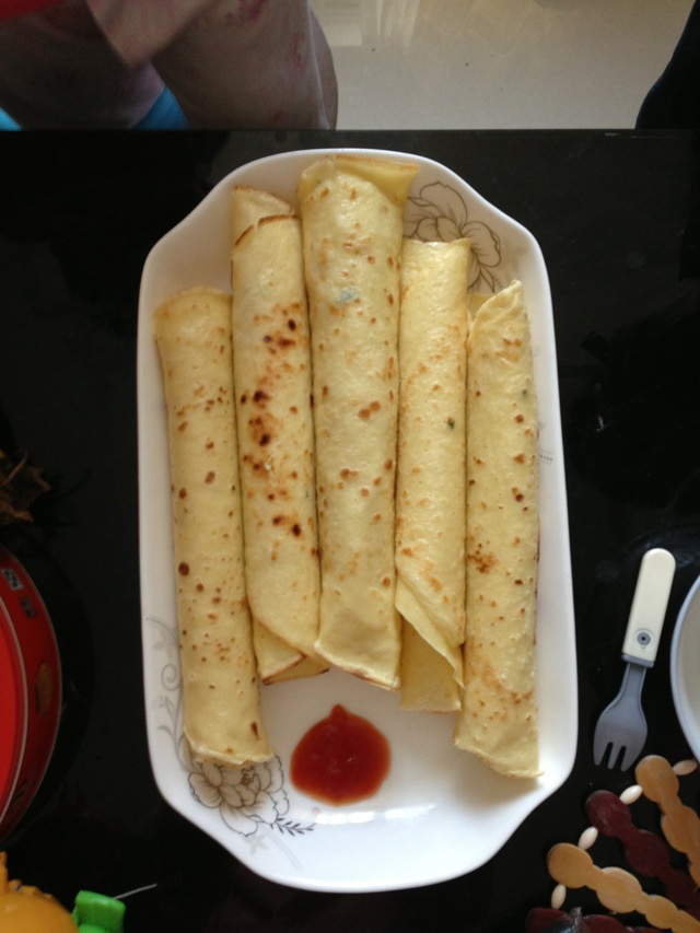 鸡蛋饼的做法_【图解】鸡蛋饼怎么做好吃_五彩缤纷的