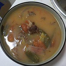 番茄牛腩洋葱汤