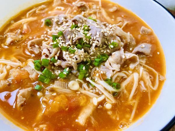 金针菇肥牛番茄汤的做法