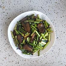 湘西腊肉炒蒜台