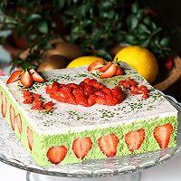 """""""心""""意装进蛋糕--春日清新的抹茶草莓慕斯#豆果5周年#"""