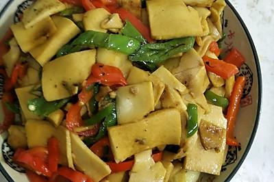 青红椒炒千叶豆腐