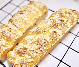 奶酥面包  奶酥麻花辫面包的做法