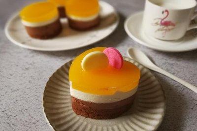 芒果镜面巧克力乳酪慕斯小蛋糕