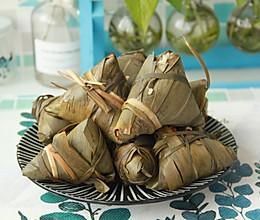 鲜肉鸭蛋黄粽子(内含红豆大枣口味)的做法