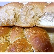 红糖椰蓉奶香辫子包(低糖低油)