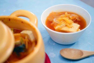 小羽私厨之 辣白菜豆腐汤