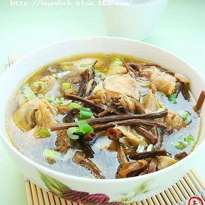 茶树菇炖小鸡