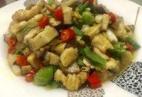 双椒香菇鸡丁的做法