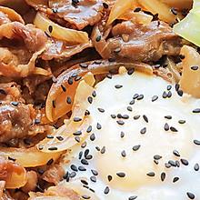 好吃到光盘的『窝蛋肥牛饭』鲜美嫩滑还会爆浆,连吃3碗都不腻!