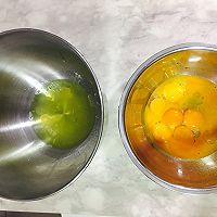 芒果牛奶戚风蛋糕的做法图解2