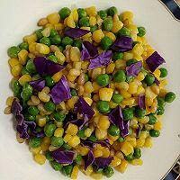 创意菜–紫甘蓝松仁玉米的做法图解6