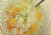 猪皮薏仁胡萝卜百合汤的做法