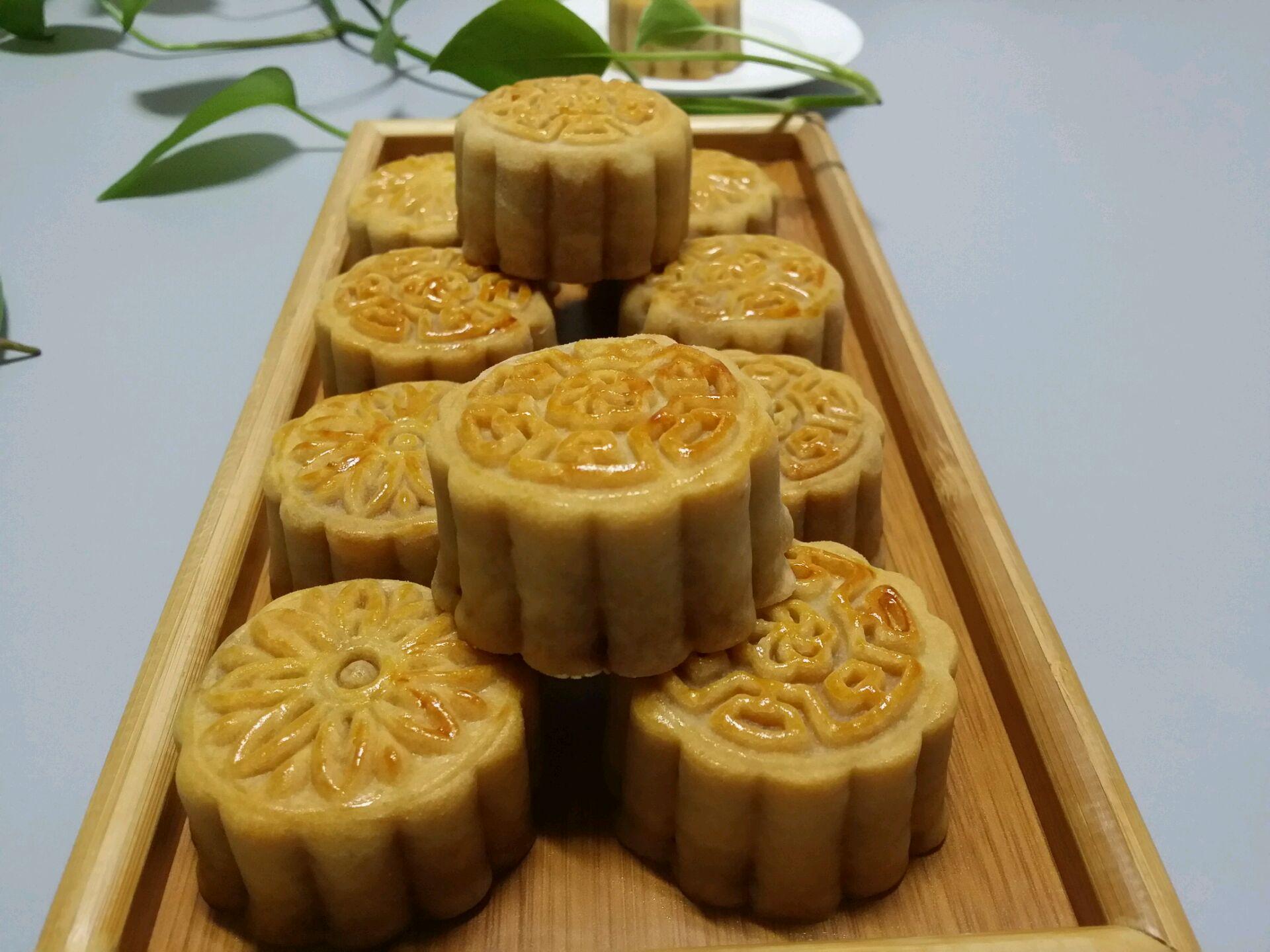 木糖醇莲蓉月饼的做法