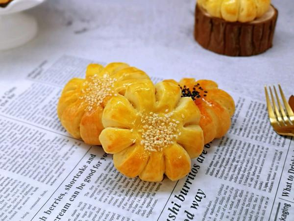 太阳花椰蓉面包的做法