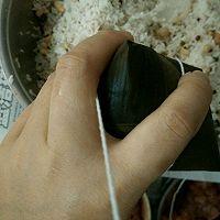 广式粽子的包法的做法图解14