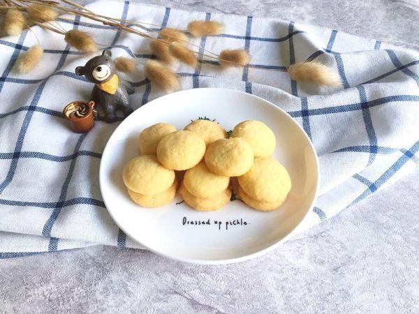 宝宝简易小食|椰蓉蛋黄小饼干