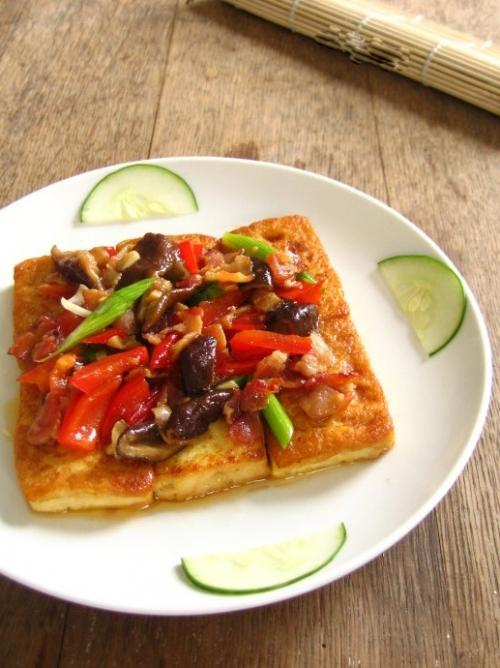 培根香煎豆腐的做法_【图解】培根香煎豆腐怎么做好吃