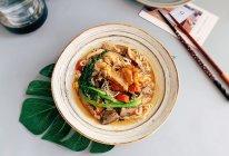 #相聚组个局#红烧鸡翅汤面的做法