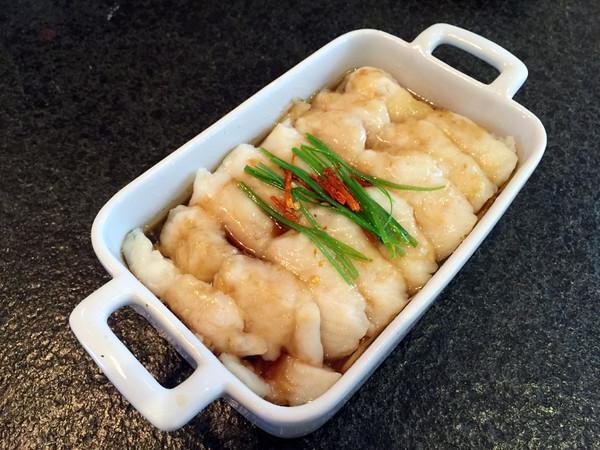 龙利鱼蒸金针菇