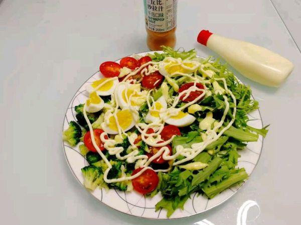 减脂的蔬菜沙拉的做法