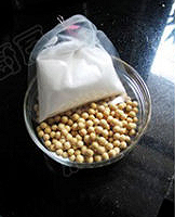 自制豆腐的做法图解1