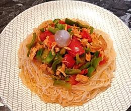 清凉青椒肉番茄拌粉丝的做法