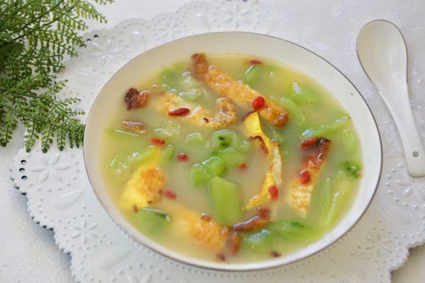 清香消暑健康简单-丝瓜荷包蛋汤的做法