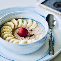 一只碗的早餐: 香蕉莓干燕麦粥#520,美食撩动TA的心!#的做法图解7