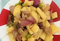 家常菜洋葱炒土豆块的做法