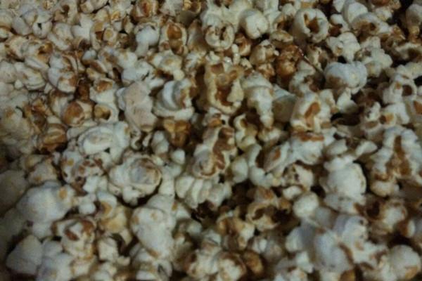 自制玉米爆米花的做法