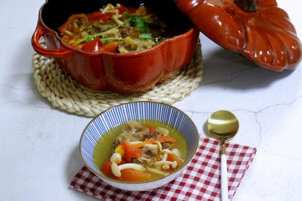 清炖番茄牛尾汤的做法