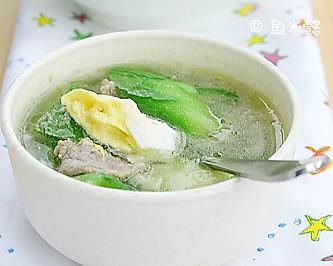 鸡蛋肉片丝瓜汤