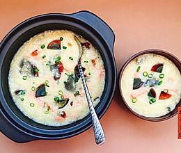 皮蛋火腿小米粥的做法