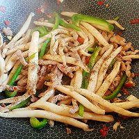 生蒜猪剁黑椒菇的做法图解3
