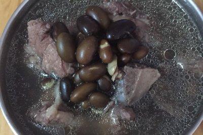 黑豆猪尾汤