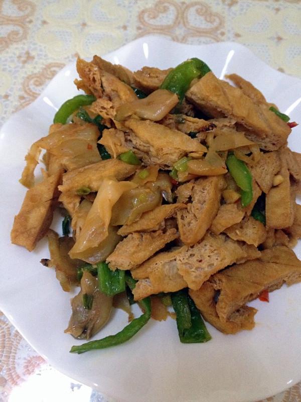 榨菜青椒炒豆腐干—乌江榨菜的做法