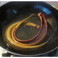 红烧鳝段的做法图解1