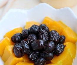 蜜枣蒸南瓜的做法