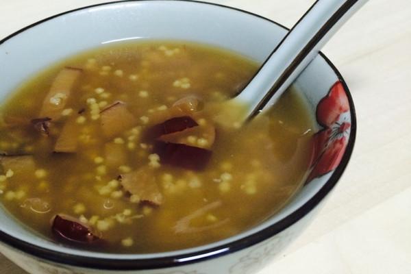 鸭梨牌红枣红糖小米粥鸭蛋爹牌砂锅熬制的做法步骤
