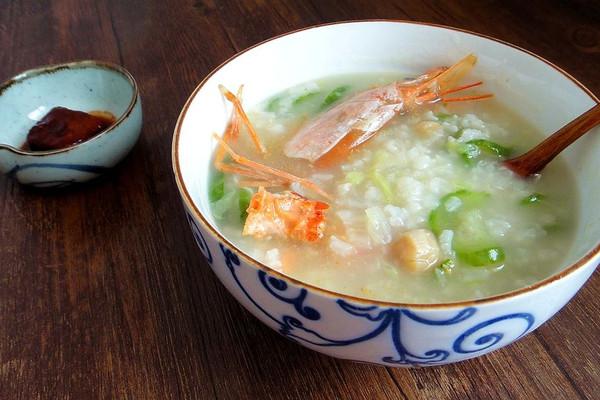 丝瓜大虾粥的做法