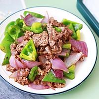 青椒炒牛肉这样做,不老不柴肉嫩滑爽口好吃的做法图解8