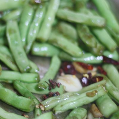 箐选酱油试用之三【干煸四季豆】的做法 步骤8