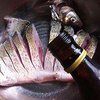 腊肠蒸鳊鱼的做法图解3